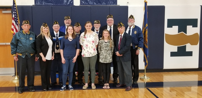 Teutopolis Legion Post 924 with the essay winners