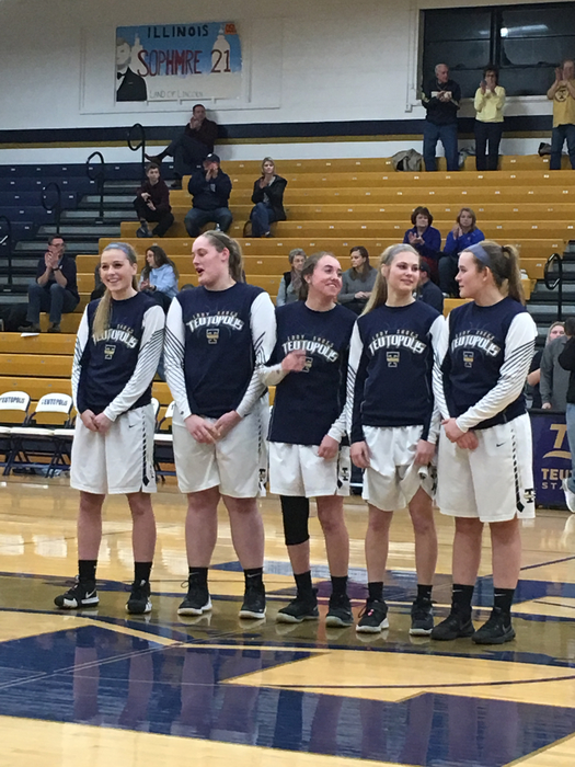 Senior night for Lady Shoes !! Congratulations