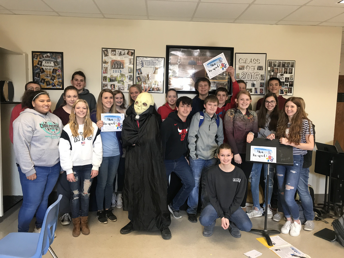Freshman careers class escaped the alien escape room!