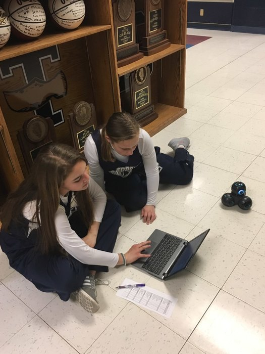 TJHS students programming robots